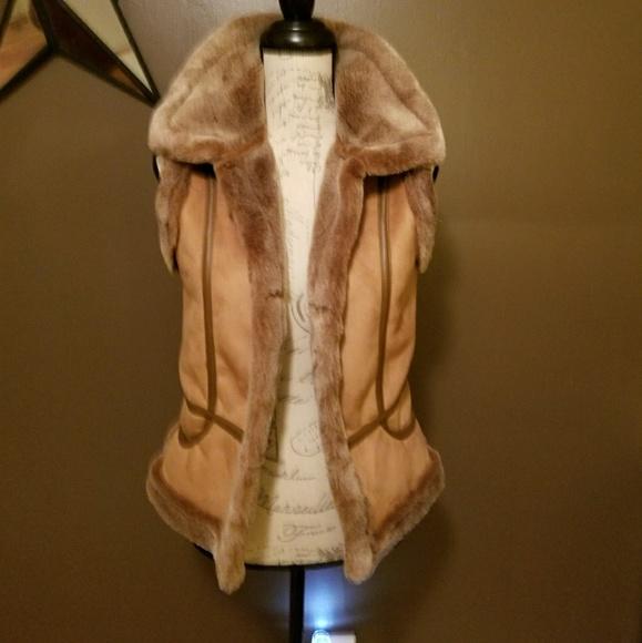 cc29614d8ffe Jackets & Blazers - Women's Small Black Mountain Peak Brown/Tan Faux F